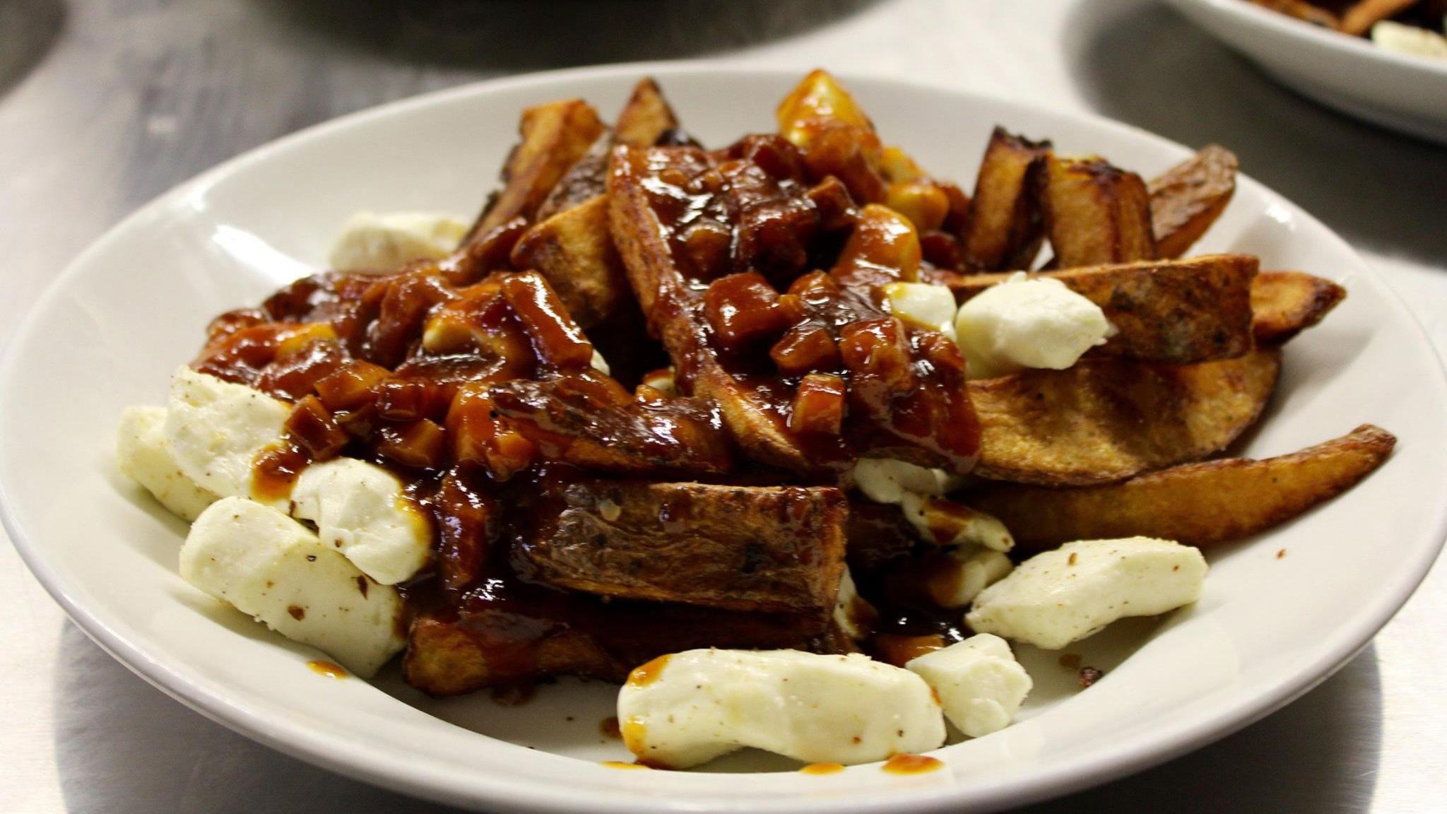 Restaurant La Buche Cuisine Quebecoise Traditionnelle